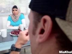 Preview 6 of Big Tits Arab Pornstars Mia Khalifa And Julianna Vega Fuck Big Dick White D